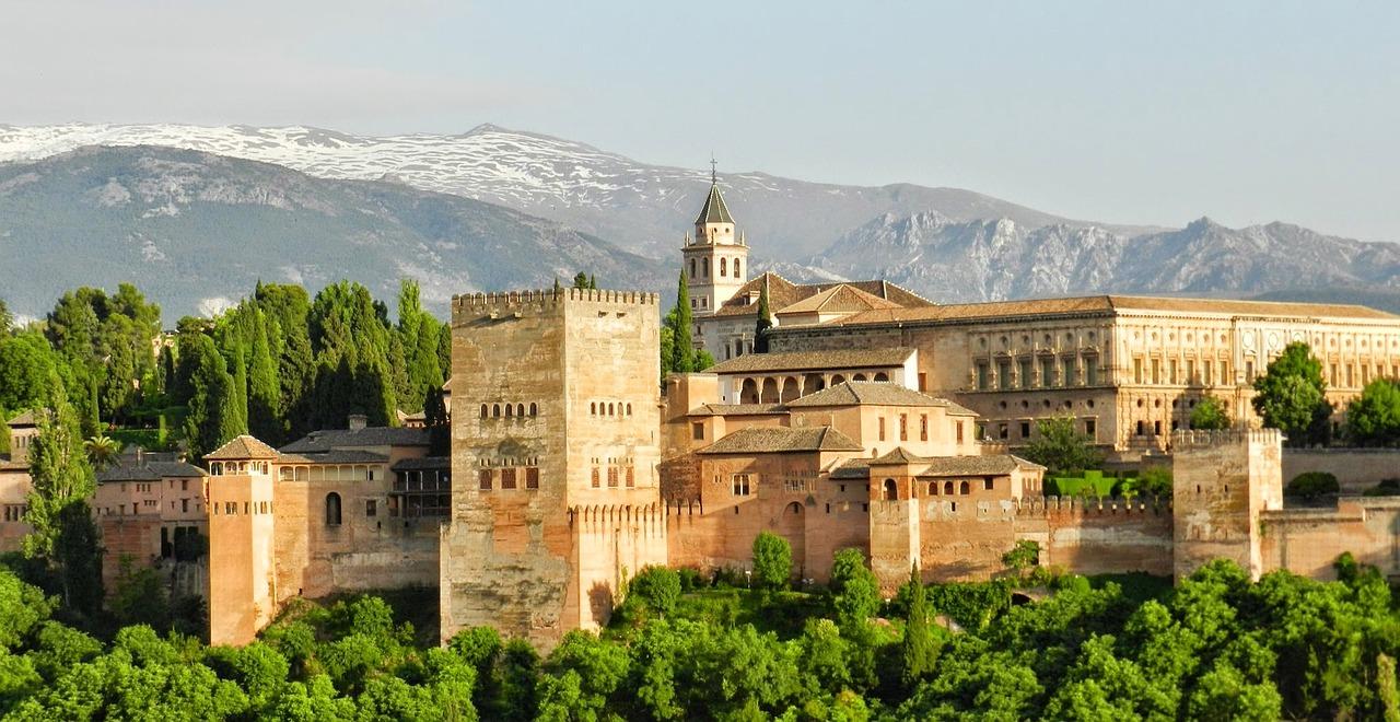 alhambra-967024_1280 - 2