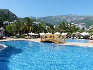 Montenegro pool-824477_1280