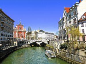 Slovenia canal-642872_1280