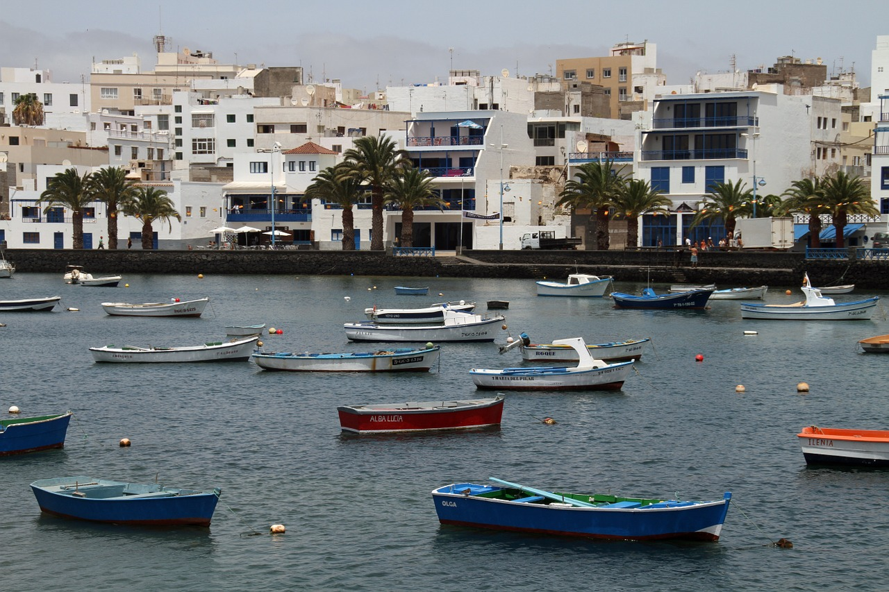 Lanzarote boats-1137751_1280